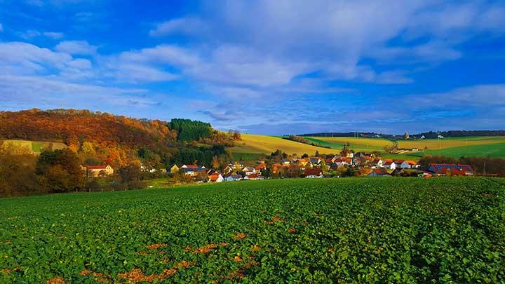 Weitblick nach Ransweiler, Neubau und Stahlberg